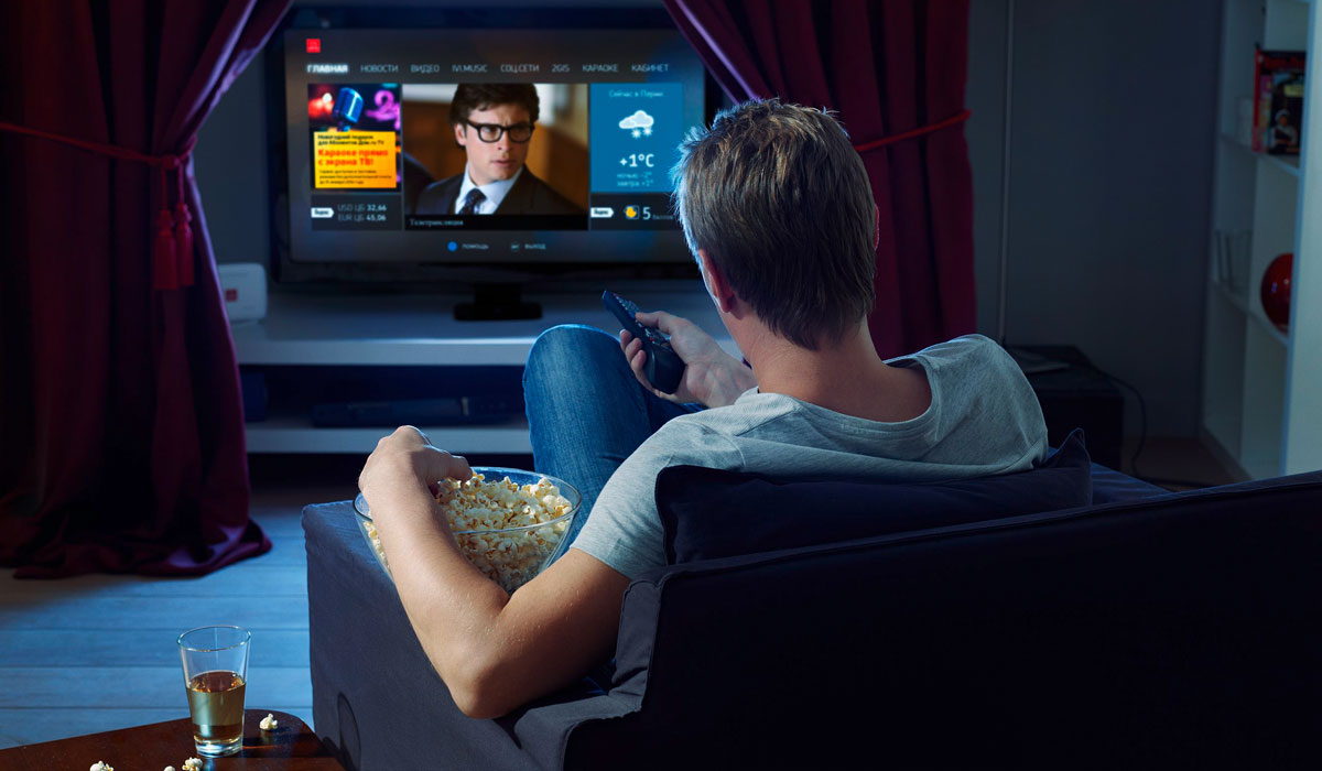 movies at home vs movies at Writing: watching movies is an amazing activity to relax for many people nowadays after a hard-working day, what can be more satisfying than watching films and concentrating with amusement on the plots.